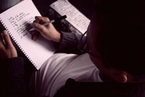Adrián-Cubero-el-tico-que-viaja-a-través-de-la-escritura-4