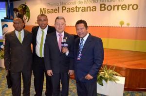 """FUNEMA-Y-PEDRO-PABLO-POLO-ANAYA-GANADORES-DEL-PREMIO-NACIONAL-DE-MEDIO-AMBIENTE-""""MISAEL-PASTRANA-BORRERO""""-3"""
