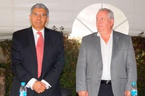 Presidente de Clubes UNESCO, Enrique Rentería y el Embajador de Panamá, Manuel Ricardo