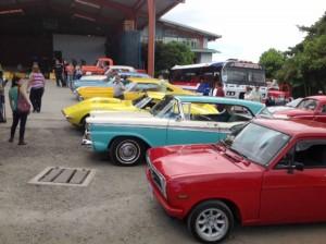 En-Costa-Rica-desfilaron-vehiculos-con-mensajes-de-paz-6