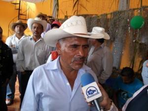 Habitantes-de-San-Miguel-Chicahua-cierran-palacio-y-exigen-desaparicion-de-poderes-2