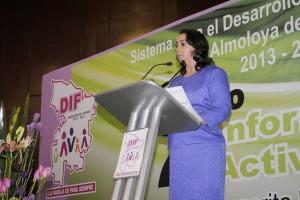 RINDE-SEGUNDO-INFORME-DE-LABORES-LA-PRESIDENTA-DEL-DIF-DE-ALMOLOYA-DE-JUAREZ-3
