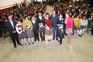 ESTUDIANTES-DE-9-INSTITUCIONES-DE-ALMOLOYA-DE-JUAREZ,-BENEFICIADOS-MEDIANTE-EL-PROGRAMA-BECALOS-1