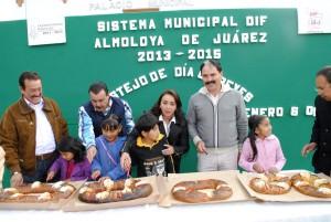 FESTEJAN-EL-DIA-DE-REYES-EN-ALMOLOYA-DE-JUAREZ-1