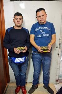 POLICIA-DE-NEZAHUALCOYOTL-CAPTURA-A-NARCOMENUDISTA-CON-100-DOSIS-DE-COCAINA-Y-DETIENE-A-DOS-MAS-CON-CARTUCHOS-DE-ARMAS-DE-USO-DEL-EJERCITO-1