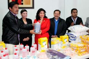 Entrega-la-Fundación-Manuel-Velasco-Suárez-ayuda-a-la-Cruz-Roja-Mexicana-2