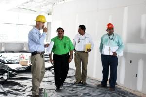 Supervisa-Armando-López-obra-de-la-Retama-donde-se-invierten-27-MDP-2