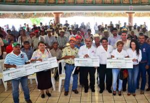 Entregan-Apoyos-Financieros-a-Productores-Agrícolas-de-Altamira-1