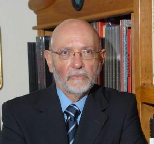 "PREMIO-""JUAN-CRISÓSTOMO-DORIA""-DE-LA-FUL-2015-A-EDUARDO-MATOS-MOCTEZUMA-2"