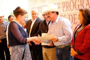 EN-ALMOLOYA-DE-JUÁREZ-ENTREGAN-PROGRAMA-DE-INCENTIVOS-PARA-PRODUCTORES-DE-MAÍZ-Y-FRIJOL-(PIMAF)-2015-1
