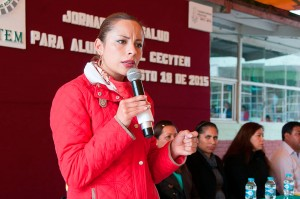 LLEVA-JANETH-CONZUELO-SERVICIOS-MÉDICOS-A-ESTUDIANTES-DE-ALMOLOYA-DE-JUÁREZ
