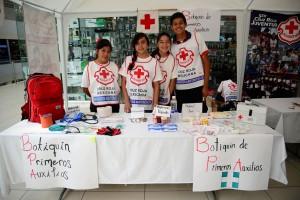 Juventinos-de-Cruz-Roja-Edomex-enseñaron-a-la-población-civil-a-salvar-vidas-1