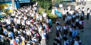 Evacuan-estudiantes-y-personal-del-CBTIS-105-por-fuga-de-gas