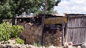 Montesinos-ayuda-a-familias-Tecomatecas-con-viviendas-dignas-1