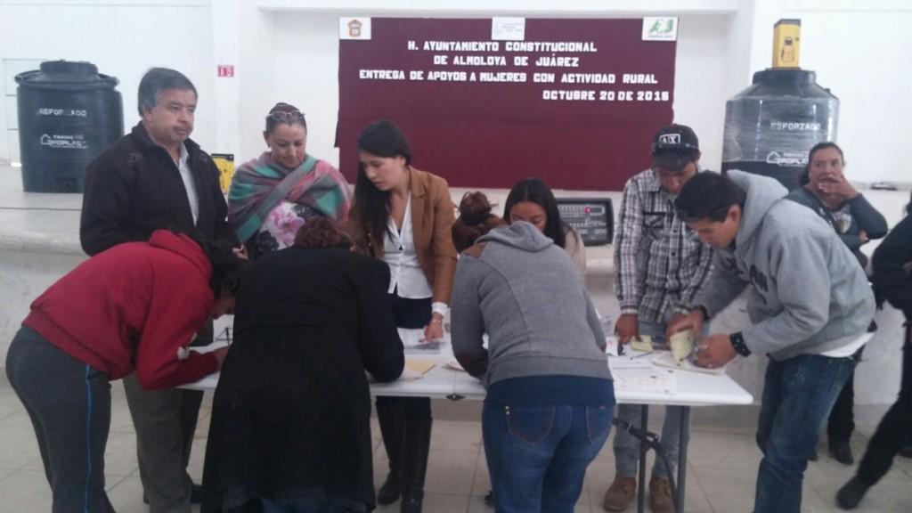 En-Almoloya-de-Juárez-reciben-invernaderos-40-mujeres-trabajadoras-de-áreas-rurales-1