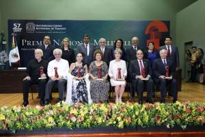 Reconocen-a-rector-de-la-Autónoma-de-Hidalgo-con-Premio-Nacional-2