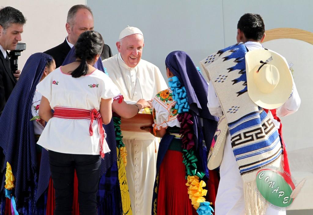 Pontífice se reúne con jóvenes en Morelia