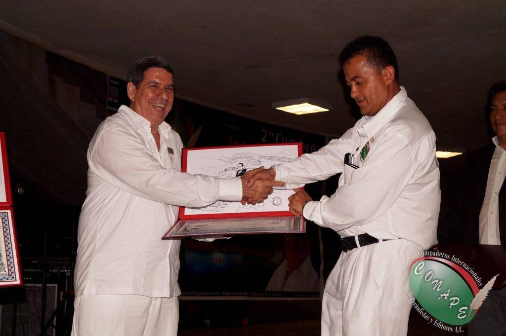 presidente-de-conape-raul-gonzalez-y-el-presidente-de-corpecoe-wilber-fabregas-estrechan-lazos-en-la-cumbre-de-periodismo-en-colombia